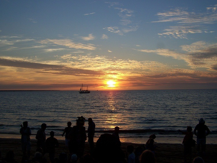 Pearl Lugger cruise boat at Sunset, Mindil Beach, Darwin*