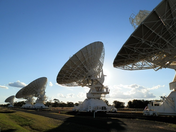Five!  Count 'em,FIVE!!  Australia Telescope Compact Array, Narrabri, New South Wales
