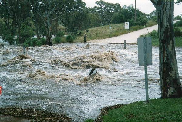North Para River in flood, Café Y via Lyndoch, Barossa Valley