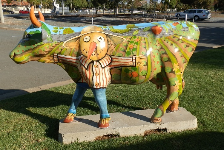 GREEN ENTRY: MOOOOVING Artproject exhibit on the streets of Shepparton, Victoria