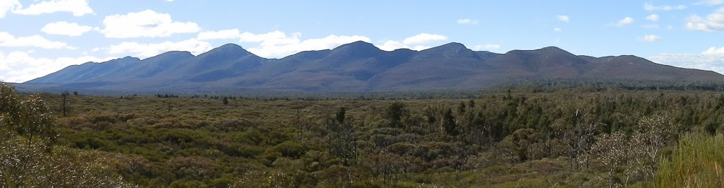 Wilpena Range from inside Wilpena Pound, Flinders Ranges National Park, South Australia