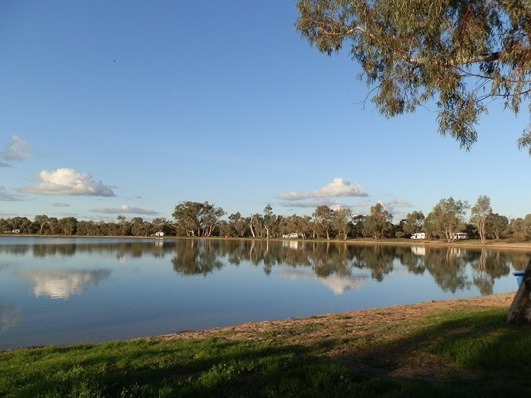 Lake Lascelles Free Camp Sites