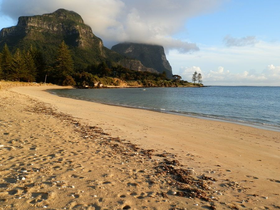 Cobbys Corner and THOSE Mountains, Lord Howe Island
