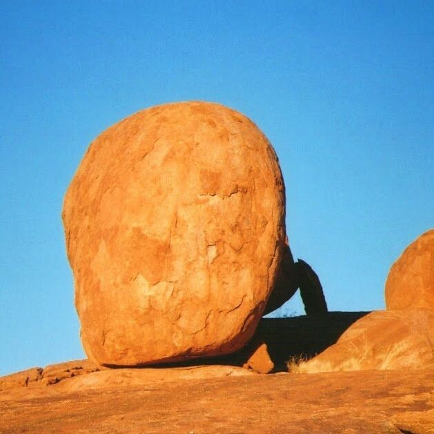 Karlu Karlu/Devils Marbles at Sunrise