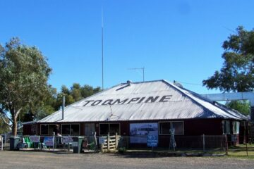 Toompine Pub, Outback Queensland