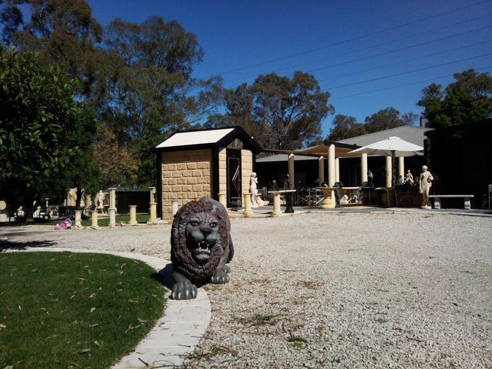 The Lion and the Loo, Da Vince's Eyes, South Australia