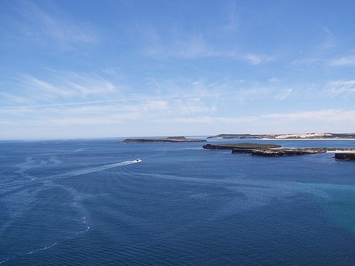 Islands in Pondalowie Bay, Innes National Park, South Australia