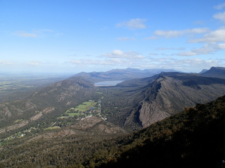 Boroka Lookout View - Rocky Ridge leading to the Pinnacle at right